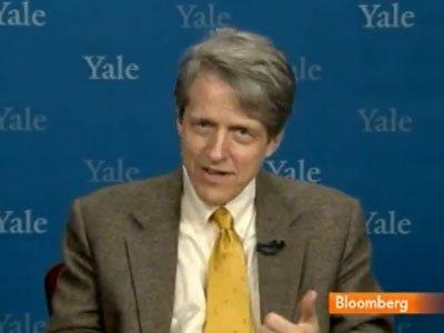 """2. Robert Shiller: """"Tăng trưởng phi lý"""""""