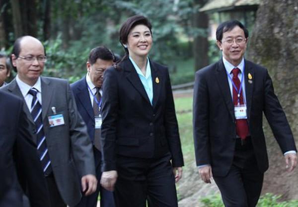 Nữ Thủ tướng Thái Lan mua sắm ở Hà Nội