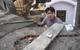 Kiếm tiền tiêu tết ở nghĩa trang