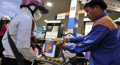 Từ 17h chiều nay giảm giá dầu, giữ nguyên giá xăng