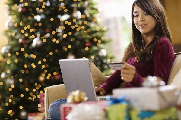 [Infographic] Các yếu tố ảnh hưởng đến quyết định mua hàng trực tuyến
