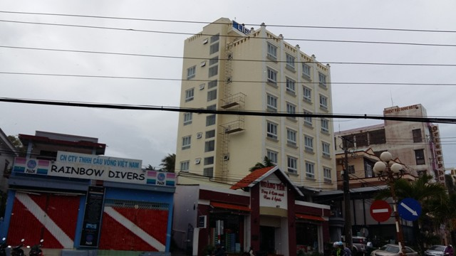 Khách sạn này sau khi hoàn thành đang được rao bán với giá 81 tỷ đồng. Một số nhà đầu tư đã thương lượng mua lại với giá thấp hơn, khoảng 70 tỷ nhưng chủ dự án không chấp thuận.