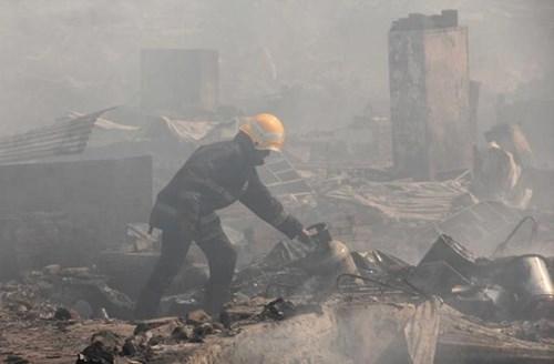 Theo lời các nhân chứng, khoảng 15-20 bình gas đã phát nổ liên tiếp tại hiện trường.