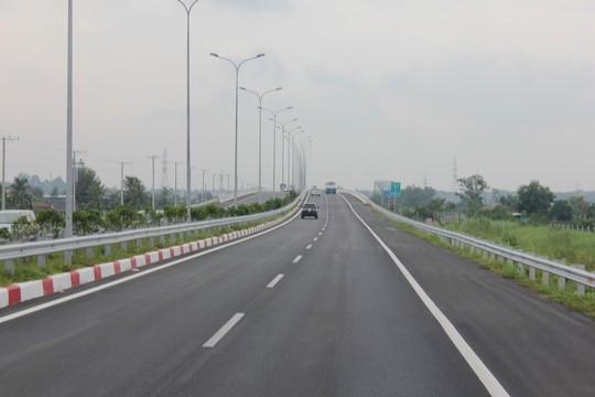 Dự án cao tốc Bến Lức - Long Thành có chi phí đầu tư cao gấp đôi cao tốc TP HCM - Long Thành - Dầu Giây. Ảnh: Anh Quân