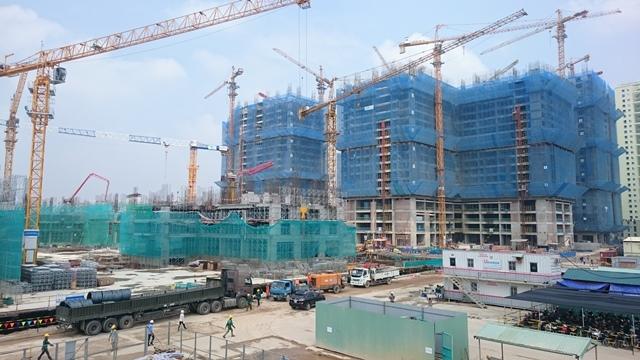 Công trường Goldamrk City đang thi công (ảnh thực tế tháng 10/2015)