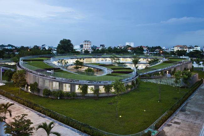 Với diện tích khu đất là 10.650 m2, diện tích xây dựng là 3.430 m2, nơi đây trở thành không gian lý tưởng dành cho các bé mầm non vui chơi, học tập.