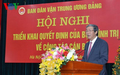 Ông Đinh Thế Huynh phát biểu tại hội nghị