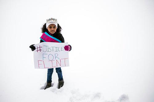 Cô bé 8 tuổi Amariyanna Copeny viết thư mời tổng thống đến thăm thành phố. Ảnh: Jake May