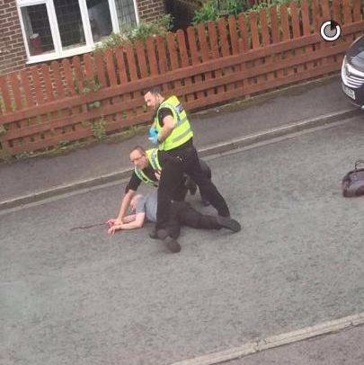 Thomas Mair - kẻ tình nghi giết hại Nghị sĩ Anh đã bị cảnh sát bắt giữ ngay tại hiện trường. Ảnh: Telegraph
