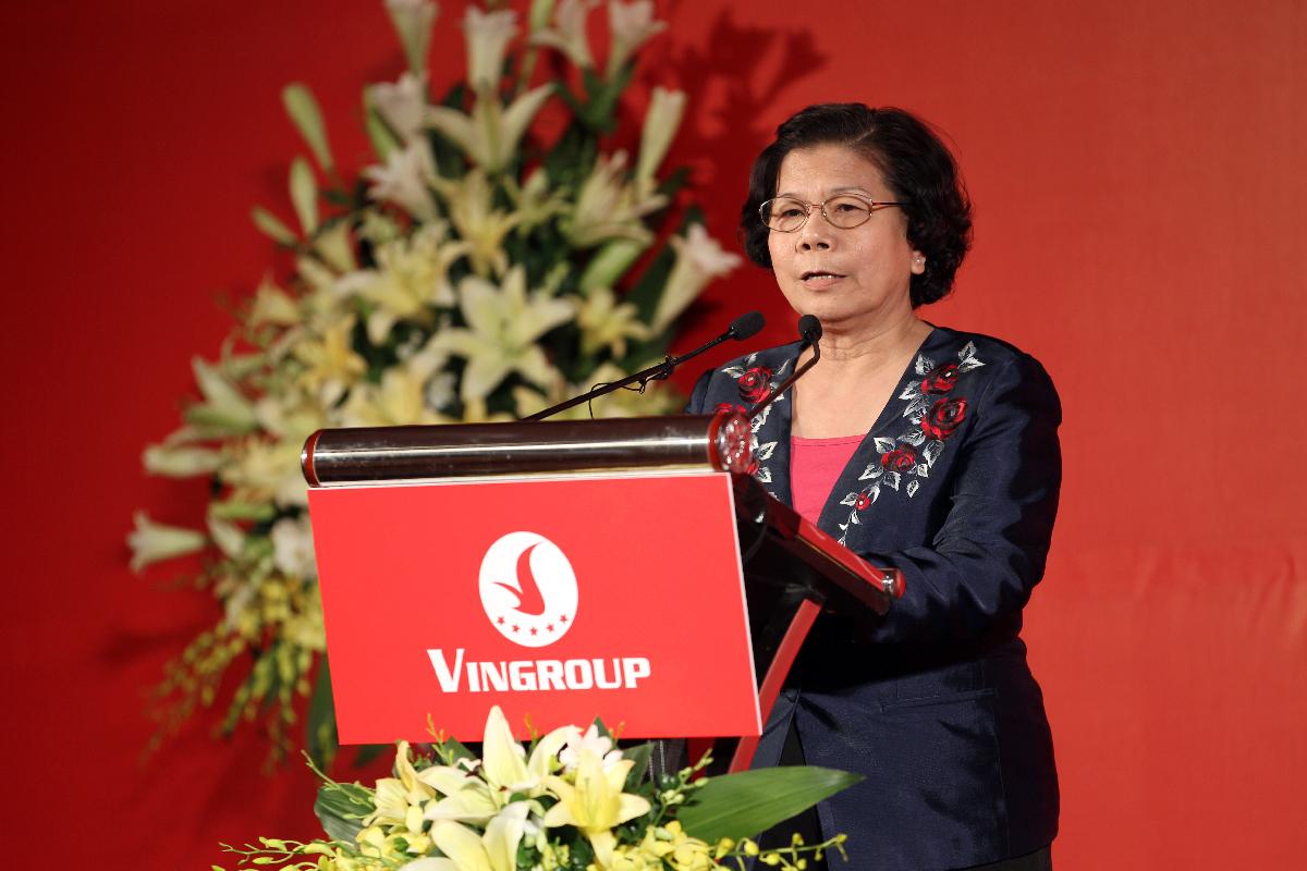 Có mặt tại buổi lễ ký kết, bà Vũ Kim Hạnh, Chủ tịch Hiệp hội Hàng Việt Nam chất lượng cao