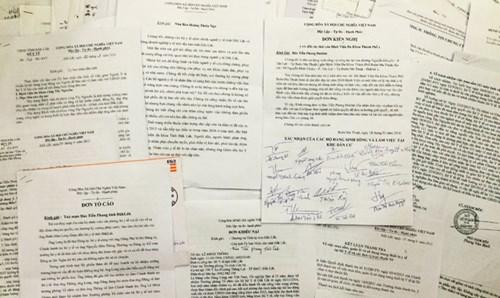 Báo Tiền Phong đã nhận được 12kg hồ sơ tố cáo tham nhũng tiêu cực tại Sở Y tế Đắk Lắk.