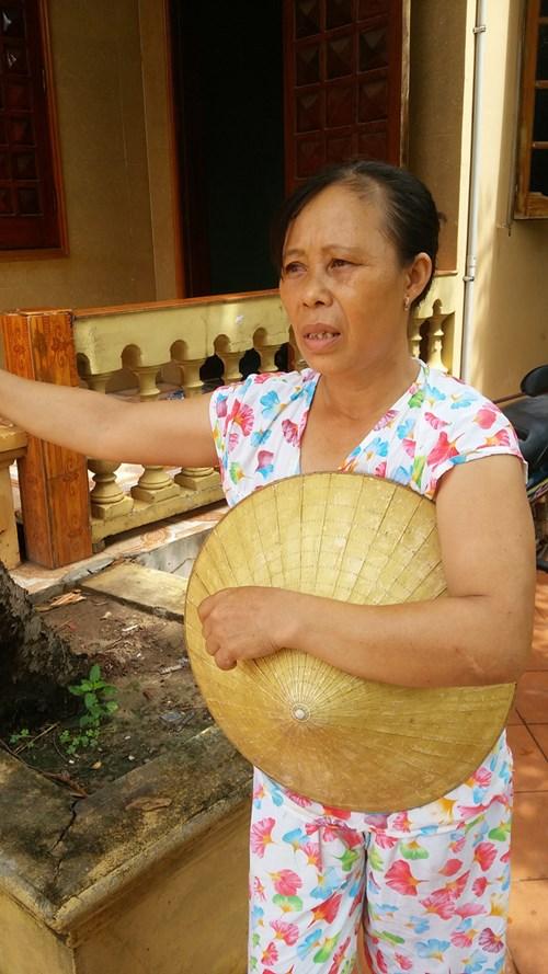 Bà Diến cho rằng, không làm muối dân Phúc Lộc không còn biết làm nghề gì để mưu sinh.