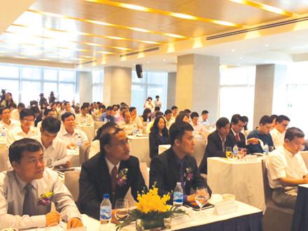 """Diễn đàn thương hiệu Việt Nam 2015 """"kết nối doanh nghiệp thương hiệu Quốc gia - nâng cao năng lực cạnh tranh""""."""