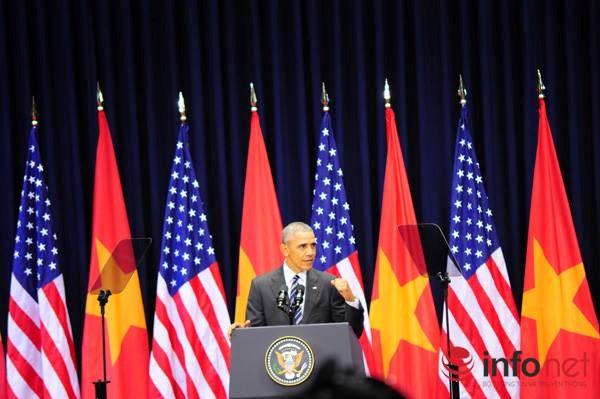 Từ đó, một lần nữa, ông cam kết sẽ sát cánh với Việt Nam trong việc đảm bảo tự do hàng hải cho khu vực: