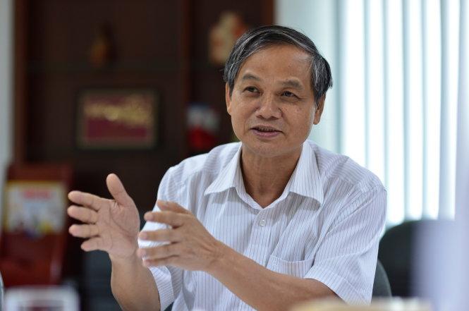 Ông Đỗ Thanh Lam – phó cục trưởng Cục QLTT Bộ Công thương phát biểu trong buổi tọa đàm Phân bón giả - tác hại thật sáng 15-6 tại tòa soạn báo Tuổi Trẻ - Ảnh: QUANG ĐỊNH