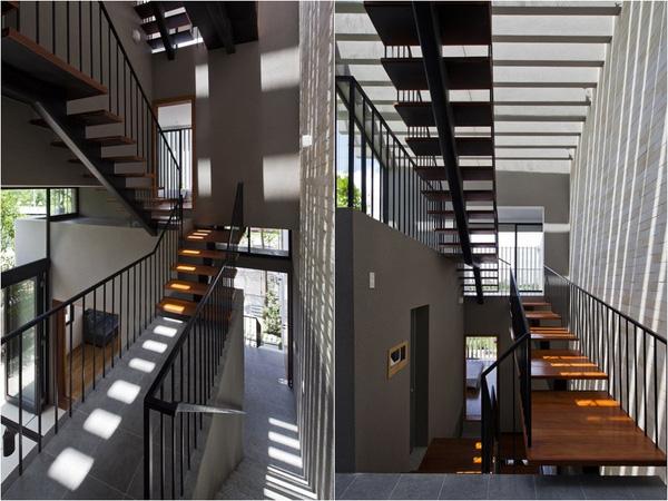Thiết kế cầu thang mặt gỗ cốn thép bền mà đảm bảo thẩm mỹ cũng như sự thông thoáng để kết nối các không gian. Nhờ thiết kế này mà gió, ánh sáng và thiên nhiên được đưa vào mọi ngóc ngách của ngôi nhà.