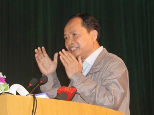 Ông Trịnh Văn Chiến: Người dân cứ tiếp tục làm việc, sinh sống bình thường, không phải chuyển đi đâu hết