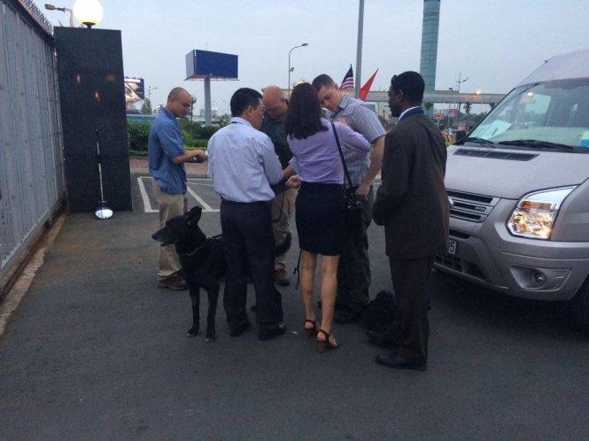 Chó nghiệp vụ của đặc vũ Mỹ được tăng cường tại sân bay - Ảnh: Quỳnh Trung