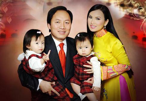 Gia đình tỷ phú Chính Chu