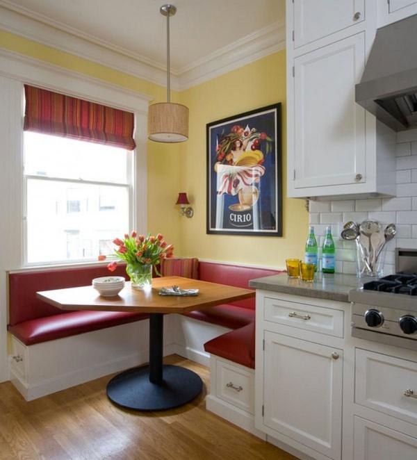 Một góc tường phòng bếp cũng đủ để bạn đặt chiếc sofa góc và chiếc bàn ăn tuyệt đẹp thế này.