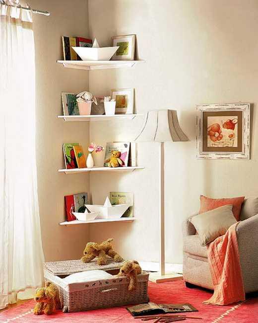Với không gian nghỉ ngơi, bạn cũng có thể đóng kệ đựng những vật dụng trang trí giúp ngôi nhà đẹp và ấn tượng hơn.
