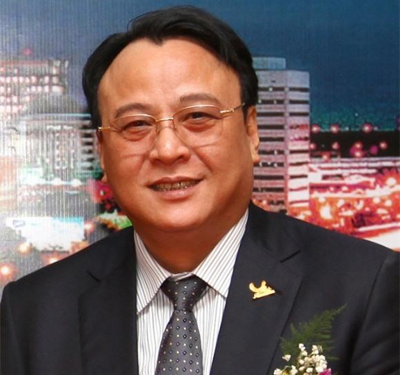 Ông Đỗ Anh Dũng là người sáng lập, Chủ tịch kiêm Tổng giám đốc của Tập đoàn Tân Hoàng Minh.