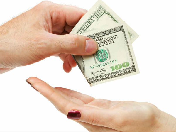 Nếu sở hữu 10 đôla trong ví (tương đương với khoảng 220.000 đồng) và không có bất cứ khoản nợ nào, hãy vui đi nhé, bạn đang giàu hơn một phần tư người dân Mỹ.
