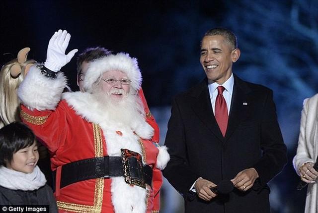 Tổng thống Obama và người dân Mỹ chào đón Giáng sinh. (Nguồn: Getty Images)