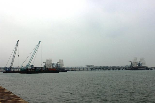 Trong buổi làm việc, Bộ trưởng Đinh La Thăng cũng yêu cầu các đơn vị phải tính toán được luồng tàu để đầu tư Cảng tại Khu kinh tế Nghi Sơn