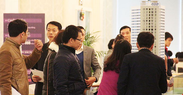 Nhiều khách hàng phấn khởi vì cuối cùng đã mua được căn hộ ưng ý tại FLC Complex 36 Phạm Hùng sau khi chậm chân mua hụt trong lần mở bán thứ 1.