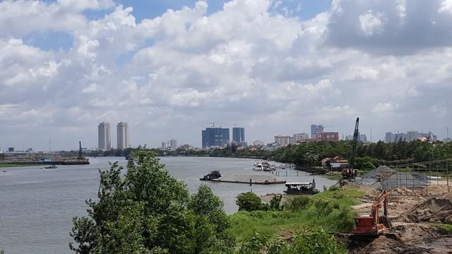 Trong tương lai, vị trí này sẽ là khu cảnh quang bờ sông với tuyến đường rộng chạy dài bao quanh cả Thủ Thiêm