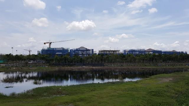 Một góc khu đô thị Sala nhìn từ bên ngoài. Dự kiến cuối năm 2016 sẽ hoàn thiện.