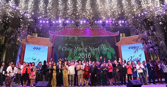 Buổi gặp mặt kết thúc trong niềm hân hoan chào mừng năm mới 2016 và chào đón những cơ hội đầu tư hấp dẫn.
