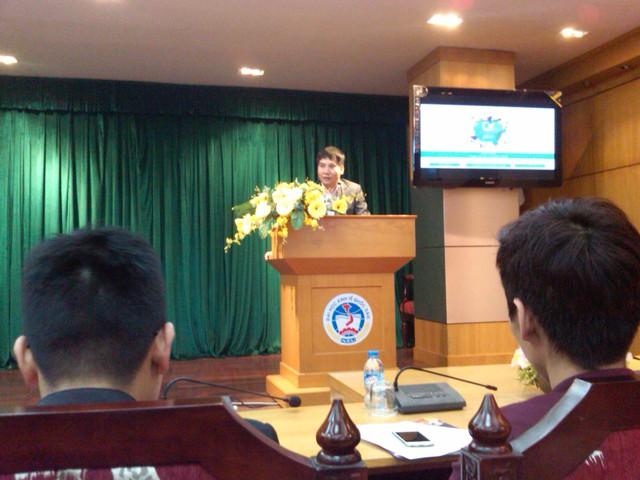 PGS. TS Đặng Ngọc Đức phát biểu tại buổi họp báo