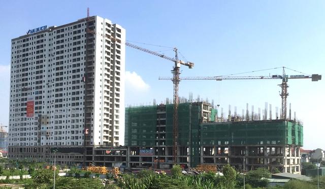 Tòa T1 đang hoàn thiện, T2 đang xây tầng 9