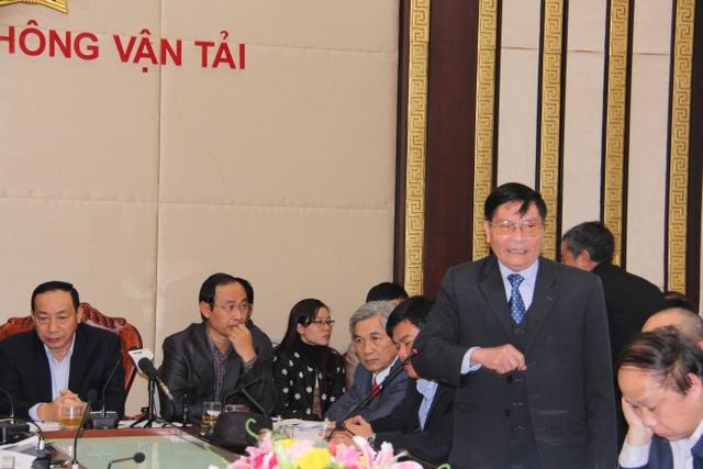Ông Nguyễn Văn Thanh bức xúc với ý kiến của một số doanh nghiệp khi đưa lý do không thuyết phục cho việc chậm giảm giá cước vận tải.