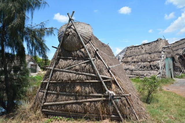 Lều chứa muối - Ảnh: Phạm Tô Chiêm