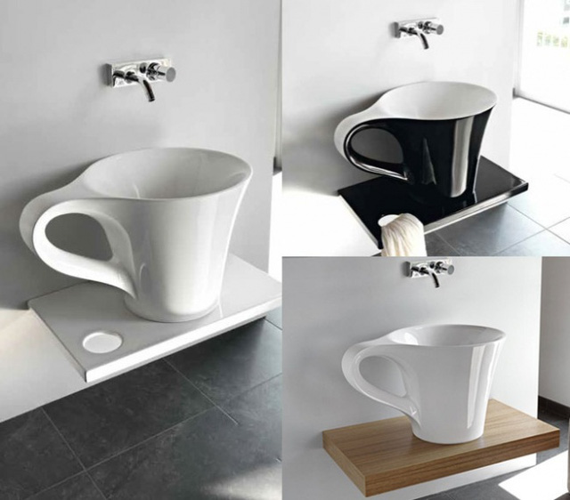"""Việc đầu tiên mỗi sáng có lẽ là """"thưởng thức tách cà phê"""" này nhỉ?"""