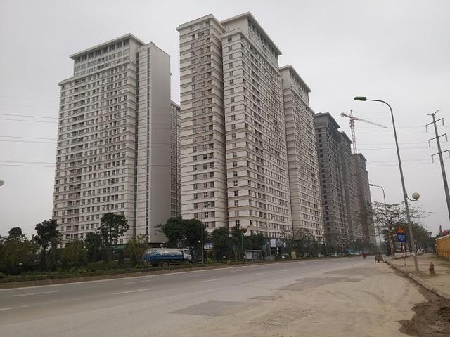 Trái với sự quạnh vắng của những khu biệt thự, liền kề, các tòa chung cư thuộc dự án The Sparks Dương Nội nhộn nhịp cư dân sinh sống. Giá căn hộ của dự án The Sparks giao động từ 16 triệu - 22 triệu/m2.