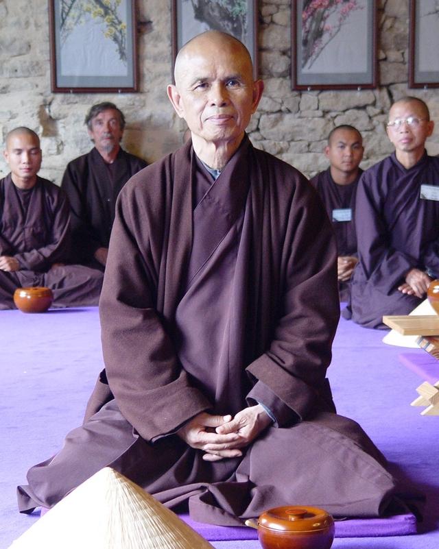 Thiền sư Thích Nhất Hạnh: Hãy xem hơi thở chính là con người bạn.