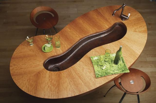 Ngồi ăn xung quang bồn rửa, bạn có muốn thử cảm giác lạ này không?