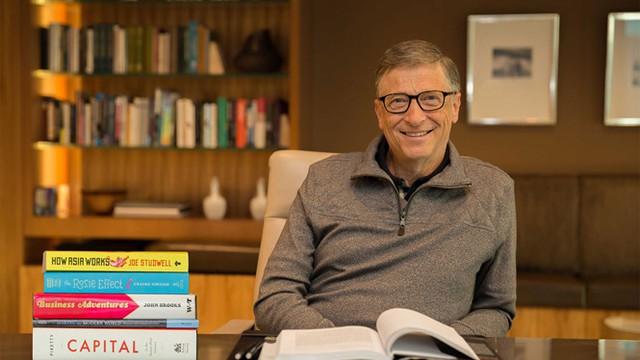 Bill Gates là một con mọt sách và có thói quen đọc nghiêm túc.