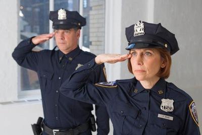 9. Nhân viên cảnh sát