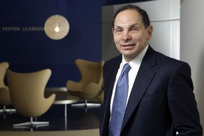Robert McDonald (Lục quân): Cựu CEO Procter & Gamble