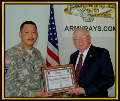 Robert Myers (Lục quân): CEO Casey's General Store