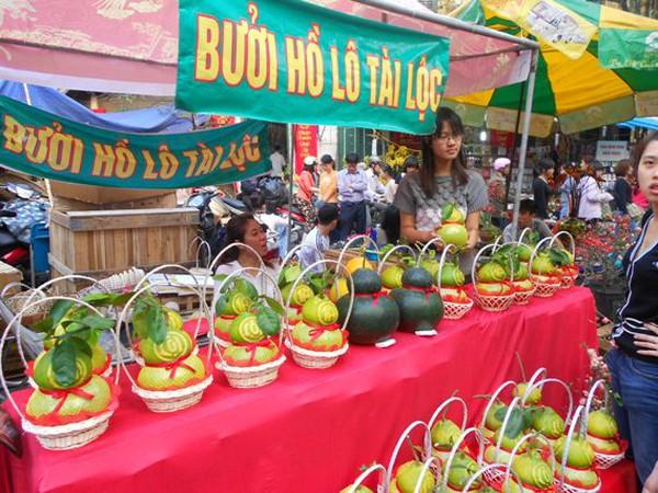 """Đặc sản Tết về đến Hà Nội: Giá """"rớt"""" thảm mà vẫn trên... giời!"""