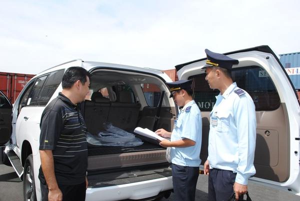 Sau xe ngoại giao, siết chặt ô tô Việt kiều