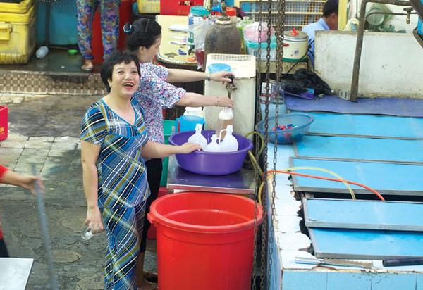 Bia hơi 10.000 đồng/lít ở Sài Gòn