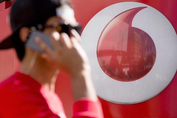 AT&T cũng sẽ 'bon chen' mua lại Vodafone?