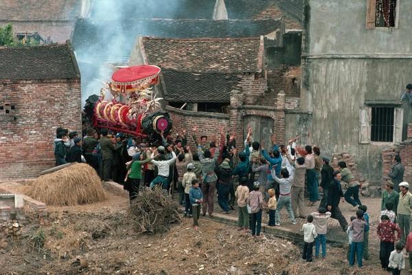 Tết xưa đầy bản sắc của người Việt dưới ống kính nhiếp ảnh gia thế giới